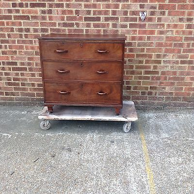 Antique Georgian Mahogany Chest Of Drawers Of Small Proportion