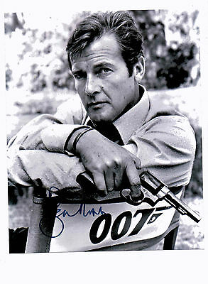 Roger Moore 007 James Bond Autograph Signed Uacc