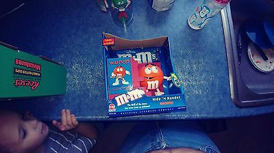 M&M's Crispy Orange M&M Hide 'N Hander Candy Dispenser Cap Candy/Hasbro NIB