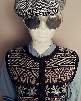 Vintage 1970's Brown Nordic Knitted Tanktop/Waistcoat. Size S.