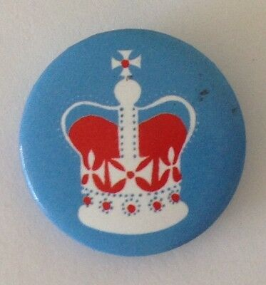 Royal Crown Small Button Badge Pin Vintage Authentic (N12)