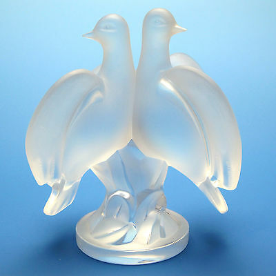 Lalique Ariane Doves Frosted Crystal Signed Lalique France Fiqurine/Sculpture