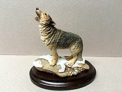 "COUNTRY ARTISTS England ""Howling Wolf Small"" #CA641!"