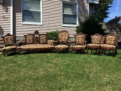 Great Antique 8 Piece Walnut Victorian Parlor Suite Shell Carving Settee Chairs