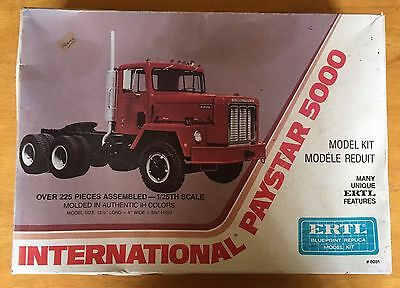 Ertl International Paystar 5000 Truck 1/25