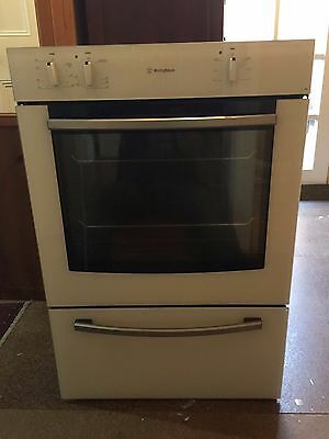 Westinghouse oven with separate grill