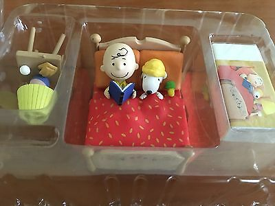 The World Of Peanuts 2 Takara Charlie Brown Snoopy IN Bed-On With Box Rare JAPAN