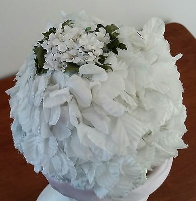 Vintage circa 1950s IVORY WHITE Flowers PALE PINK Satin Flower Pot Occasion Hat