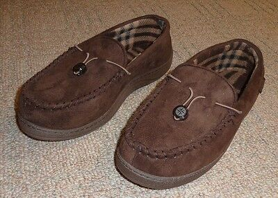 Men's Dark Brown Slippers Size 9 - 10 from Costco