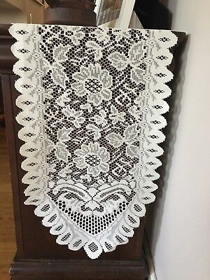 10' Ivory Lace Runner