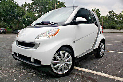 2012 Smart Fortwo PASSION - 50 PICS(CLICK DESCRIPTION) MART FORTWO PASSION GASOLINE - CLEAN CARFAX - LOW MILES - BLUETOOTH - NR