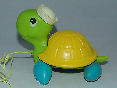 Vintage 1977 Fisher Price Turtle with Pull String Toy