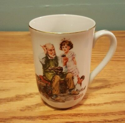 """Vintage 1982 Norman Rockwell Museum """"The Cobbler"""" Collectible Coffee Cup Mug"""
