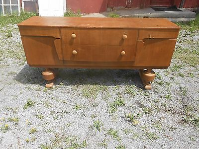 Stylish Mid Century Sideboard/Buffet  Credenza
