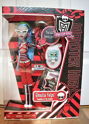 Ghoulia Yelps BNIB first wave original first edition 2010 mattel monster high