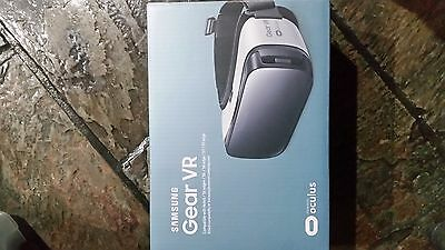 Samsung gear VR powered by Oculus - Virtual Reality Headset - Brand New