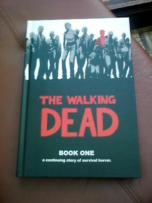 Robert Kirkman THE WALKING DEAD Book 1 - Image comics inc - SIGNED 2006 HB 1/1