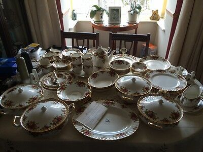 Royal Albert Old Country Roses Dinner And Tea Service Set