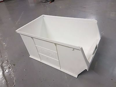 100 x Barton NXT5 Semi-Open Fronted Stack & Nest Containers White