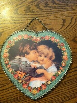 "ANTIQUE VICTORIAN FLUE COVER, BOY & GIRL KISSING or hug, METAL chain 9"" x *.5"""