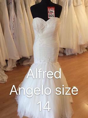 Alfred Angelo 2592 Wedding Dress - Size 14 - Ex Sample - A1 Condition.