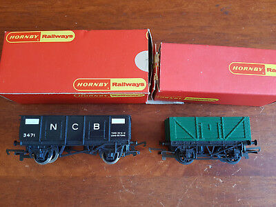 Hornby Goods Vans X 2 R102 R10 Excellent Condition Unboxed Oo Gauge(Ch12)