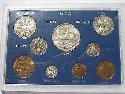 Complete 1935 coin year set in case Crown to Farthing 9 coins about uncirculated