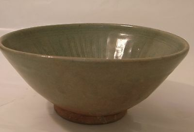Sawankhalok ceramic bowl celadon glaze incised patterm, 14-15th c. Thailand