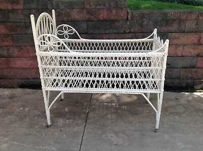 Antique wicker crib bassinet bed