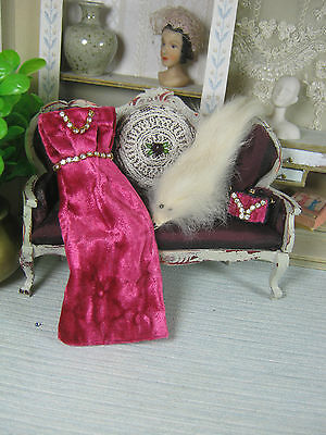Fuchsia Velvet dress,bag and fox stoles-.Dollhouses Scale 1/12