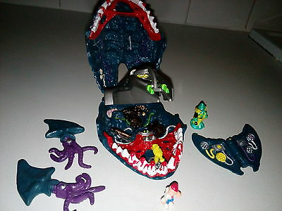 Mighty Max Caught by the Man-Eater  Bluebird complete