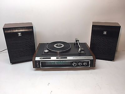 Sanyo GXT 4301H stereo music system with turntable and AM radio