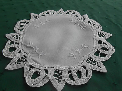 Round White Doily With Battenburg Lace Trim And Hand Embroidery, Circa1940