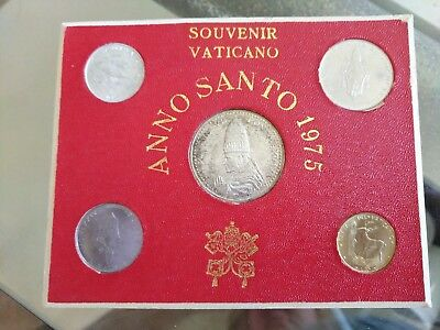 1975 Vatican 4 Coin Souvenir Set with Pope Paul V1 Medal