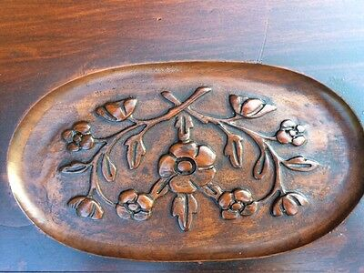 Antique carved Walnut Serving Glass Tray Top Accent Coffee Table Oval