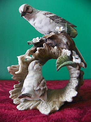 Homco porcelain mother Mockingbird with baby figurine