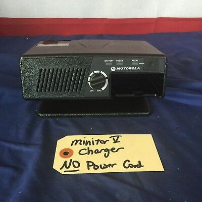Motorola Minitor V (5) Fire EMS Pager Amplified Charger NO POWER SUPPLY
