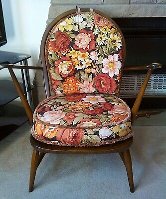ercol armchair serial number 305 made in 1979 made in Buckinghamshire England.
