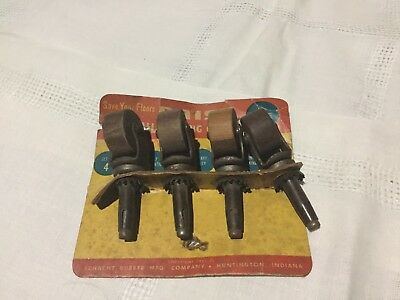 Vintage Daisy Wood Wheel Casters #55A77-69 - NOS - On Card