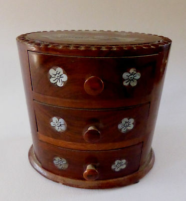 Vintage oval miniature original Chinese jewelry box wood Mother of Pearl (OP)