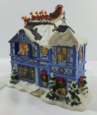 PARTYLITE The Night Before Christmas Musical Tealight House Candle Light P8651