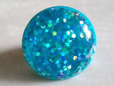 MOD POP RING.1970's Turquoise Glamour Glitter.Shining Round Top.Plastic Mount