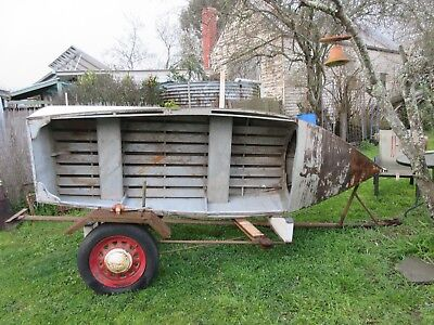 Old antique vintage wooden boat + trailer 3.5 m / 11.5 ft 1940 - 1950's Ballarat
