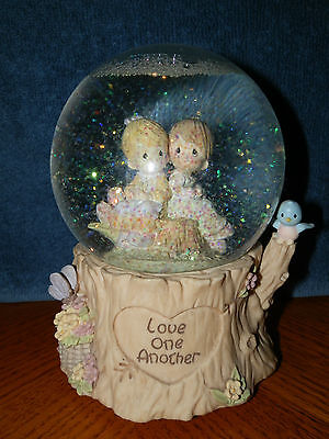 Precious Moments Music Snow Globe Love One Another Love will Keep us Togeter
