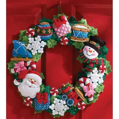 "Bucilla 16"" Felt Christmas Wreath Kit - Christmas Toys"