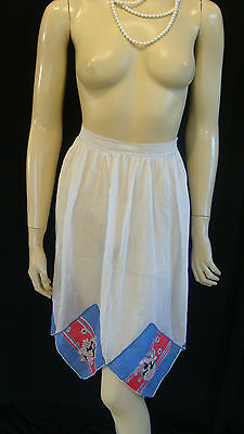40s VINTAGE SHEER WHITE ORGANDY APRON WITH FLORAL PATCHWORK