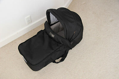 Mountain Buggy (Swift) Carrycot Bassinet Black - 2011