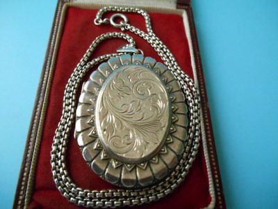 LARGE SOLID SILVER ANTIQUE FULLY HALLMARKED LOCKET & CHAIN NOT SCRAP 35.8gm