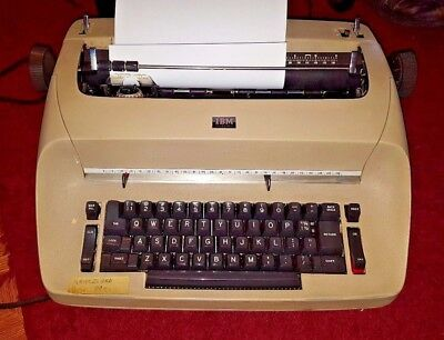 IBM Selentric electric typewriter, Works Great,  w/cover & manual **SEE VIDEO**