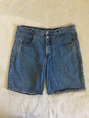 Vintage GUESS ? JEANS Denim Shorts Mens Size 38 Green Triangle Patch Med Wash